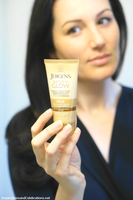 Spring Skincare Guide: How To Get The Perfect Tan with JERGENS® Natural Glow®
