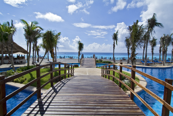Fabulous Memorial Day Travel Deals You Can't Miss - Grand Oasis Cancun