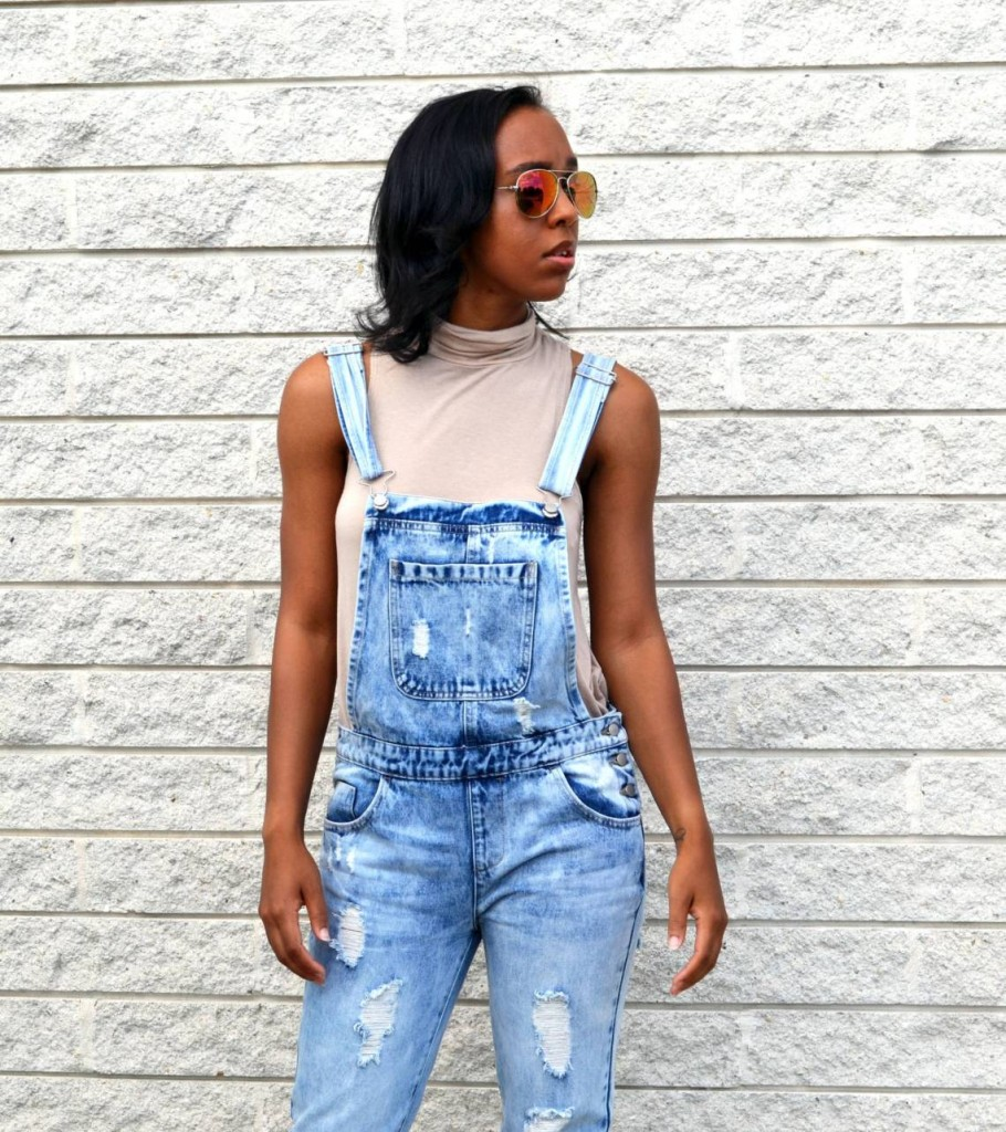9 Fashion Bloggers' Favorite Summer Style Trends & Must-Haves for Vacations - Living Lesh