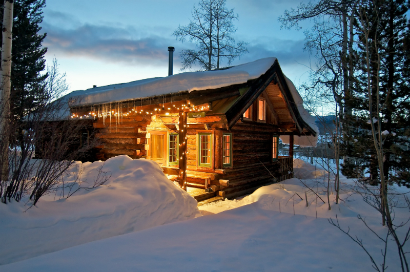 Winter Wonderland Resorts That Brighten Up The Holidays - The Home Ranch
