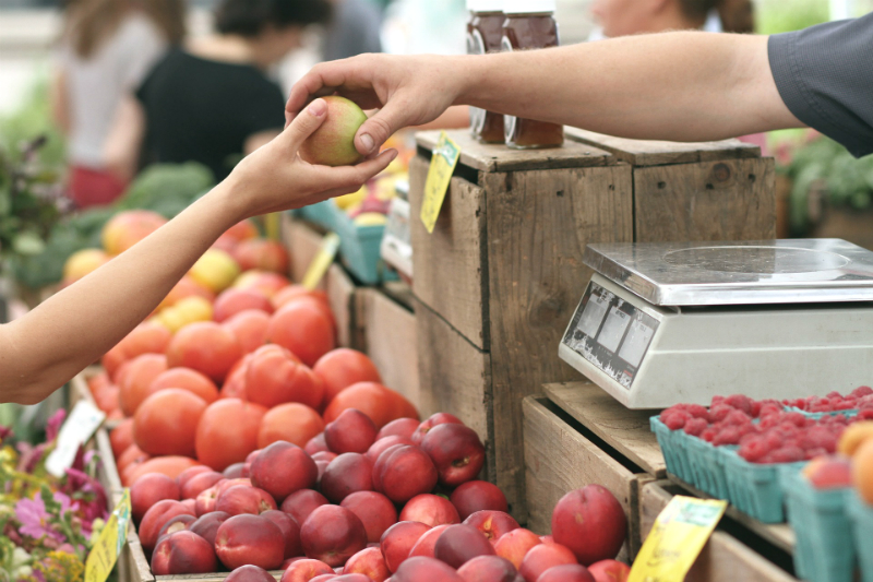 10 Fun Things To Do This Weekend To Make You Happier - Go To The Farmers Market