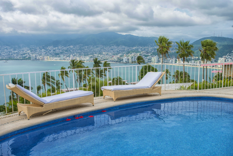 Hot Fall Travel Deals - Las Brisas Acapulco