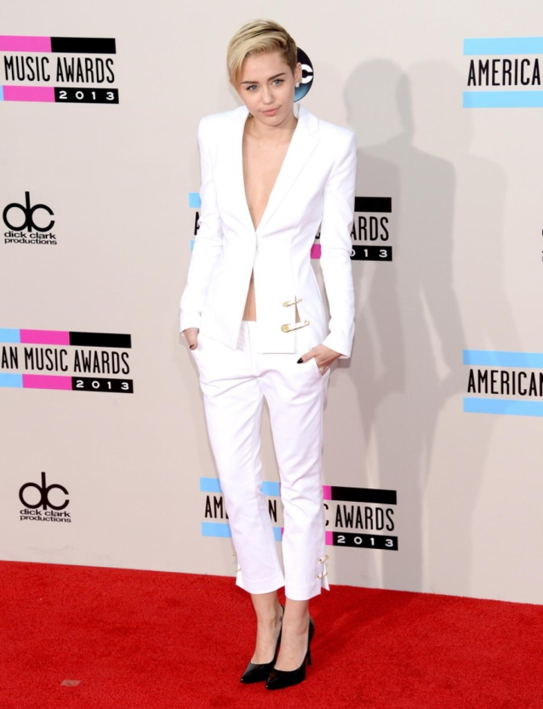 Miley Cyrus - American Music Awards 2013 - AMA Fashion - Red Carpet Celebrity Looks