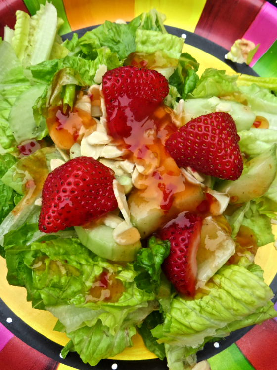 Summer Salad with Strawberries and Almonds