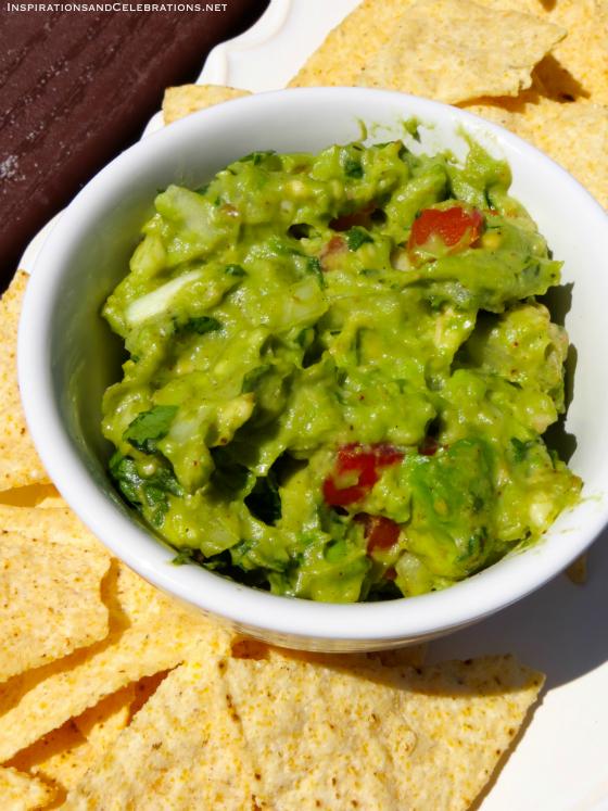 Easy Entertaining The Fun Way To Have A #VacayEveryDay - Guacamole Recipe