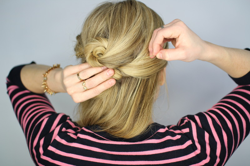 Beauty Tutorial The Easy Knotted Updo Hairstyle Guide