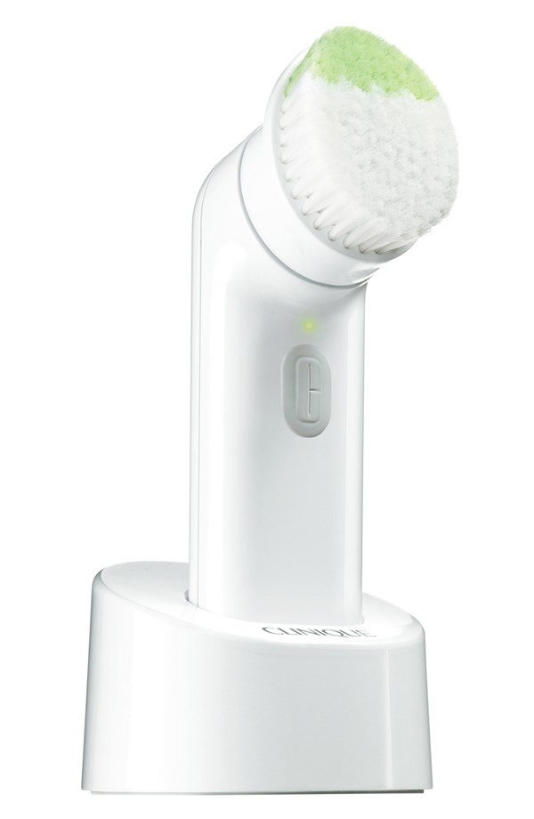 Must-Have Beauty Tools Clinique Sonic System Purifying Cleansing Brush