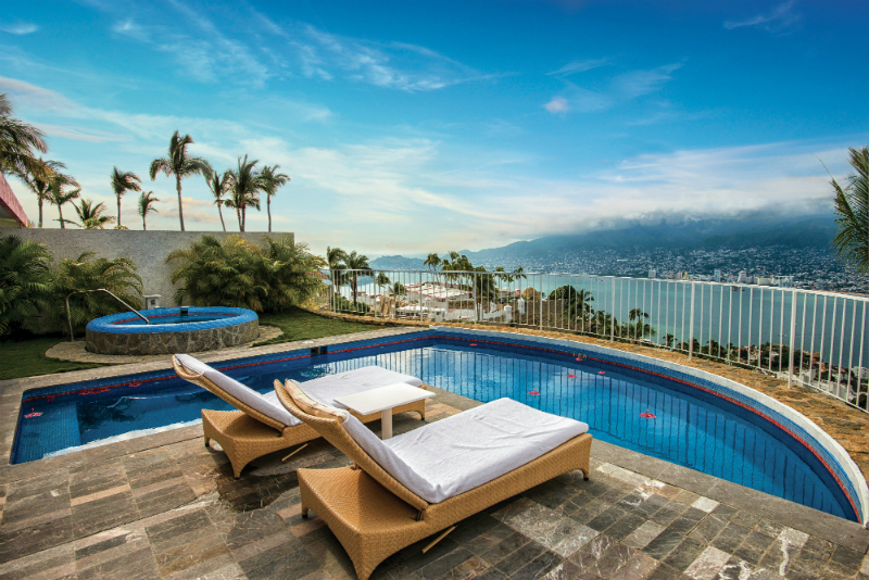 Labor Day Weekend Vacation Ideas -  Las Brisas Acapulco