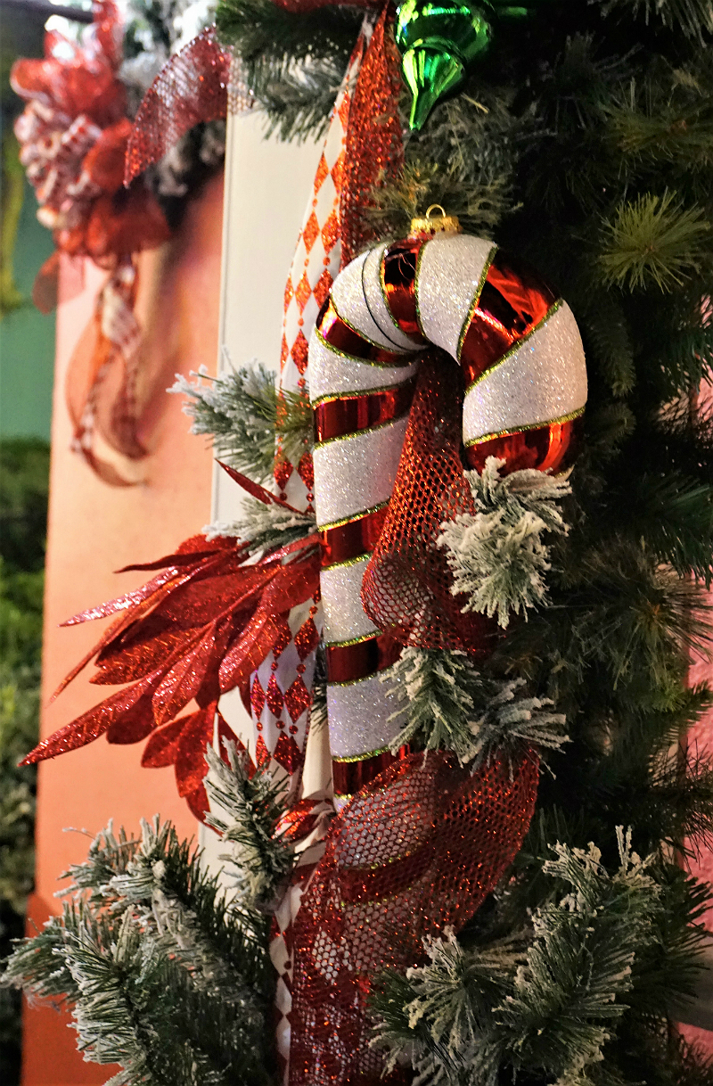 10 Festive Things To Do During The Holidays - Holiday Decorations