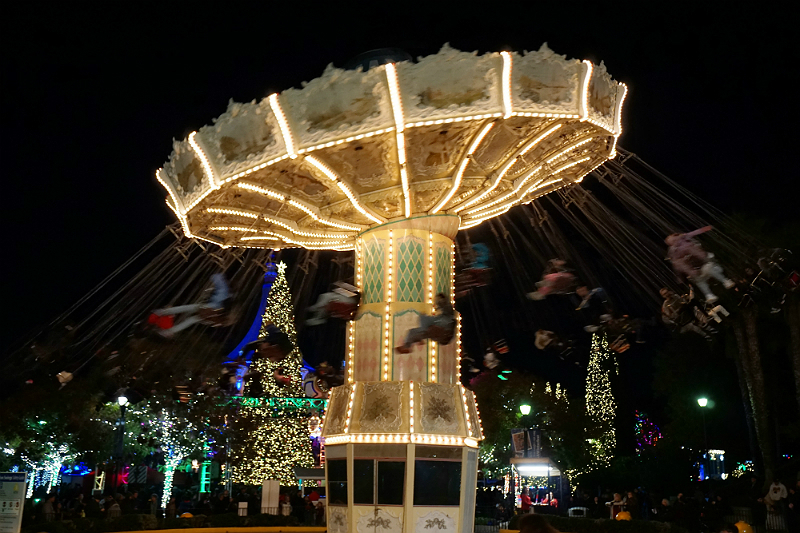 10 Festive Things To Do During The Holidays - Winterfest at Great America