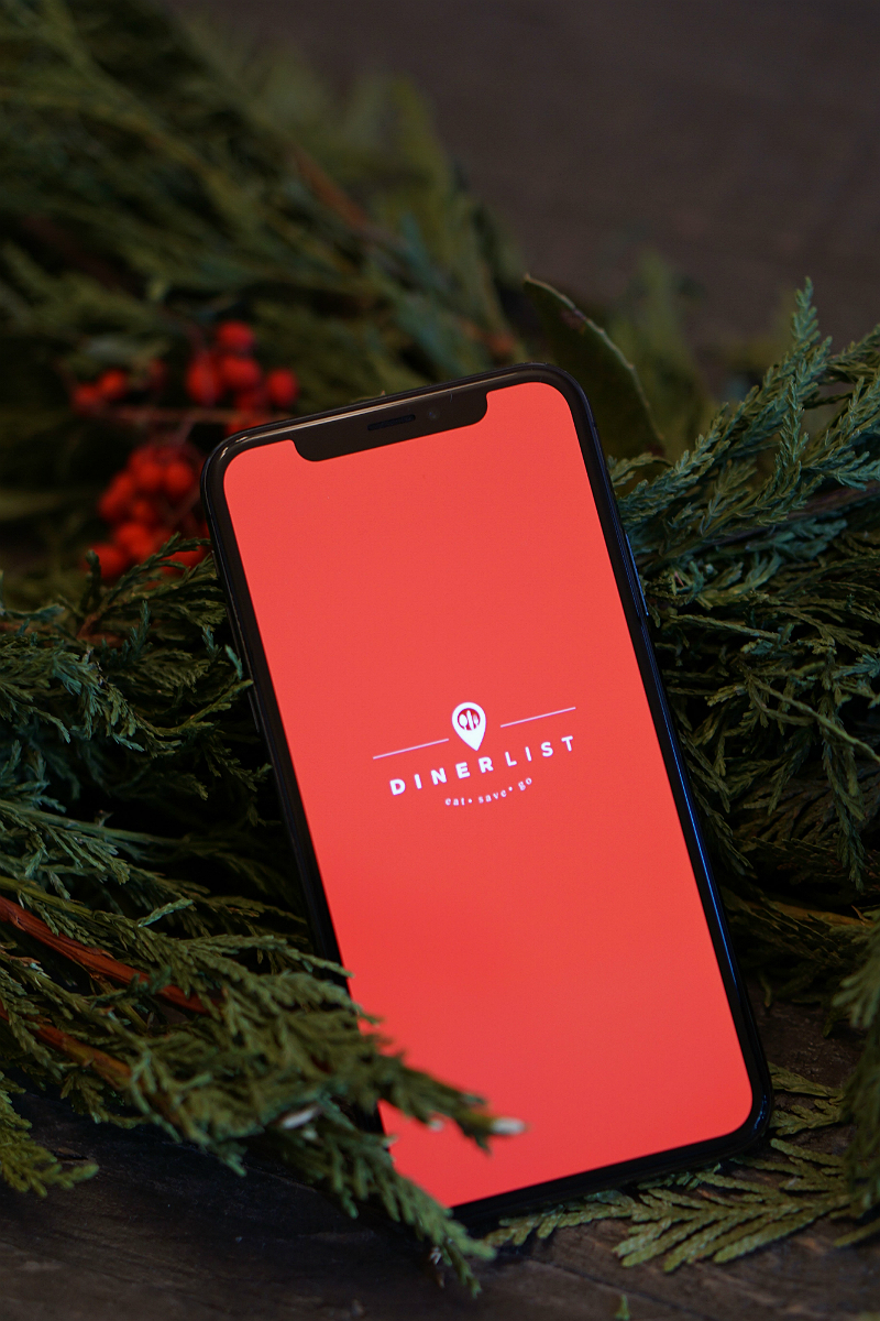 Download the Dinerlist App for a Chance to Win an iPhone X