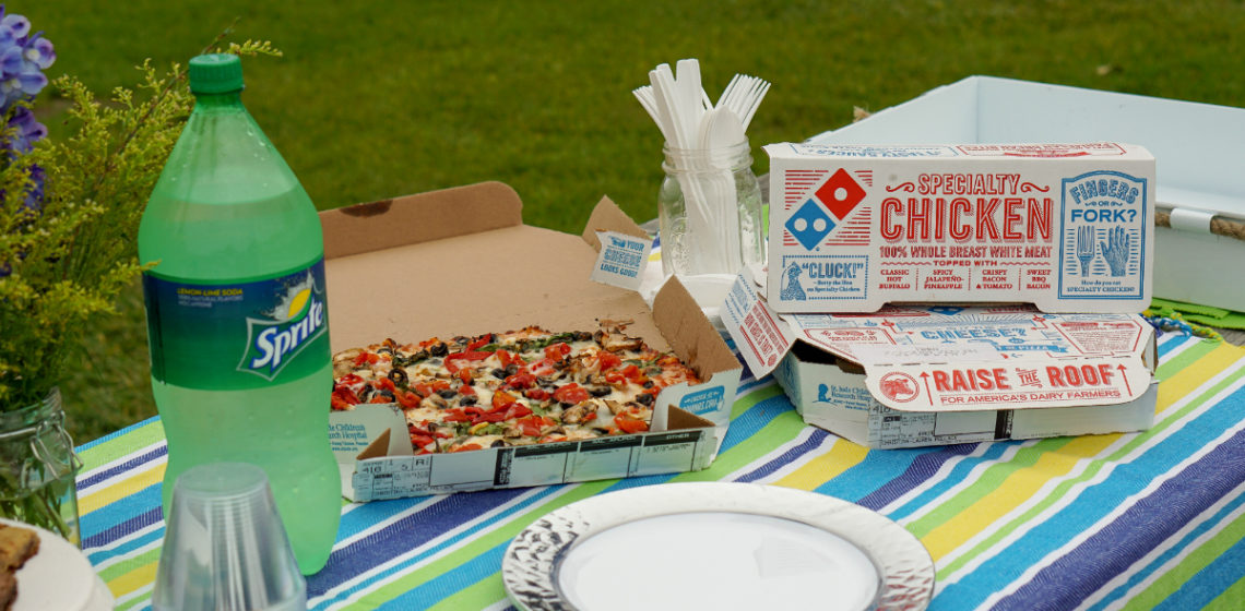 Easy Entertaining Guide - How To Host a Pizza Party in The Park - Domino's Hotspots
