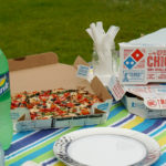 Easy Entertaining Guide: How To Host an Effortless Pizza Party in The Park