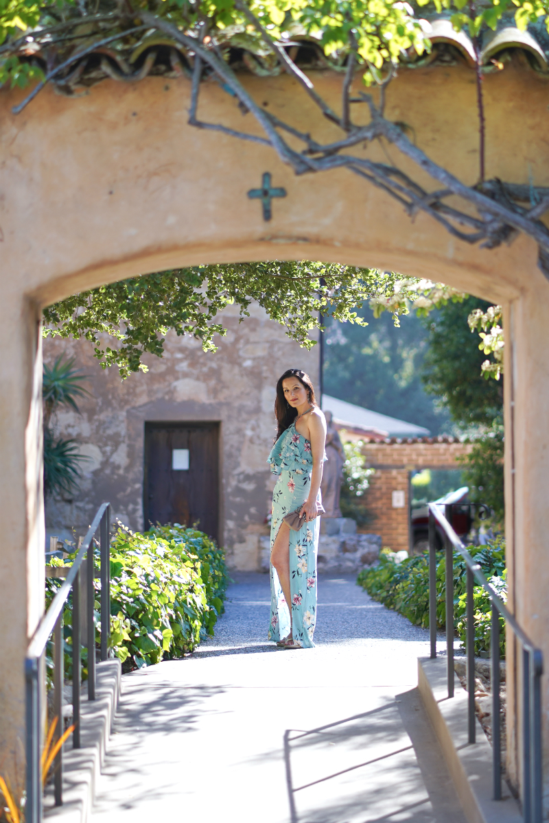 d3383ecf8641a Summer Style Guide - 5 Gorgeous Dresses To Wear on Vacation - Carmel Mission