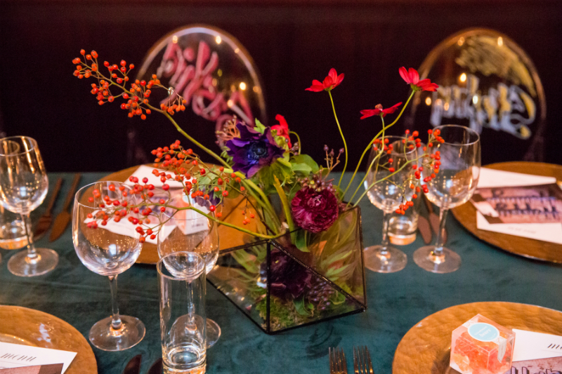 Entertaining Guide: Graffiti Glam Holiday Dinner Party
