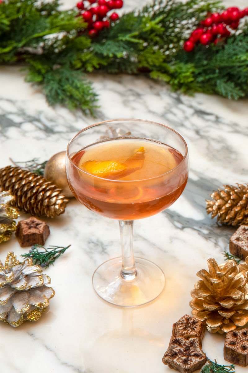 Gourmet Holiday Recipes from Celebrity Chefs & Restaurateurs - Moet Champagne O'Clock Cocktail