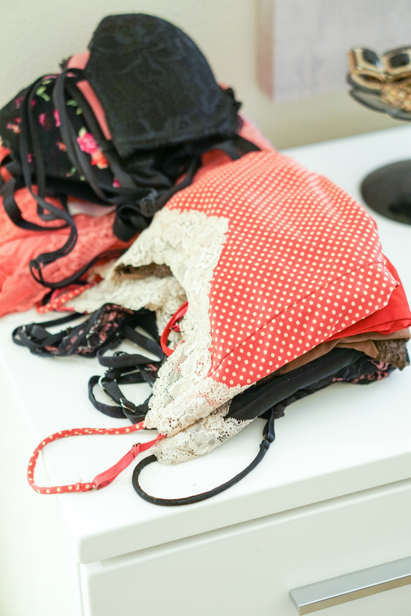 The Joyful Guide to Home Organizing - Tips on How To Organize Clothing & Accessories