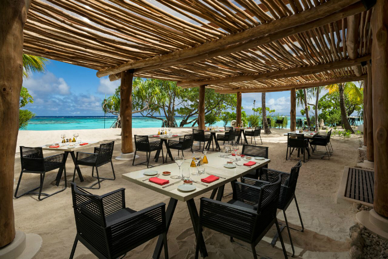 Luxury Hotel Restaurants with Gorgeous Views - Beachcomber Cafe