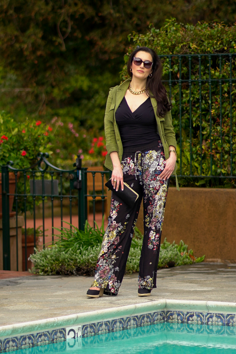 Style Inspiration - A Fun & Floral Spring Vacation Outfit Idea
