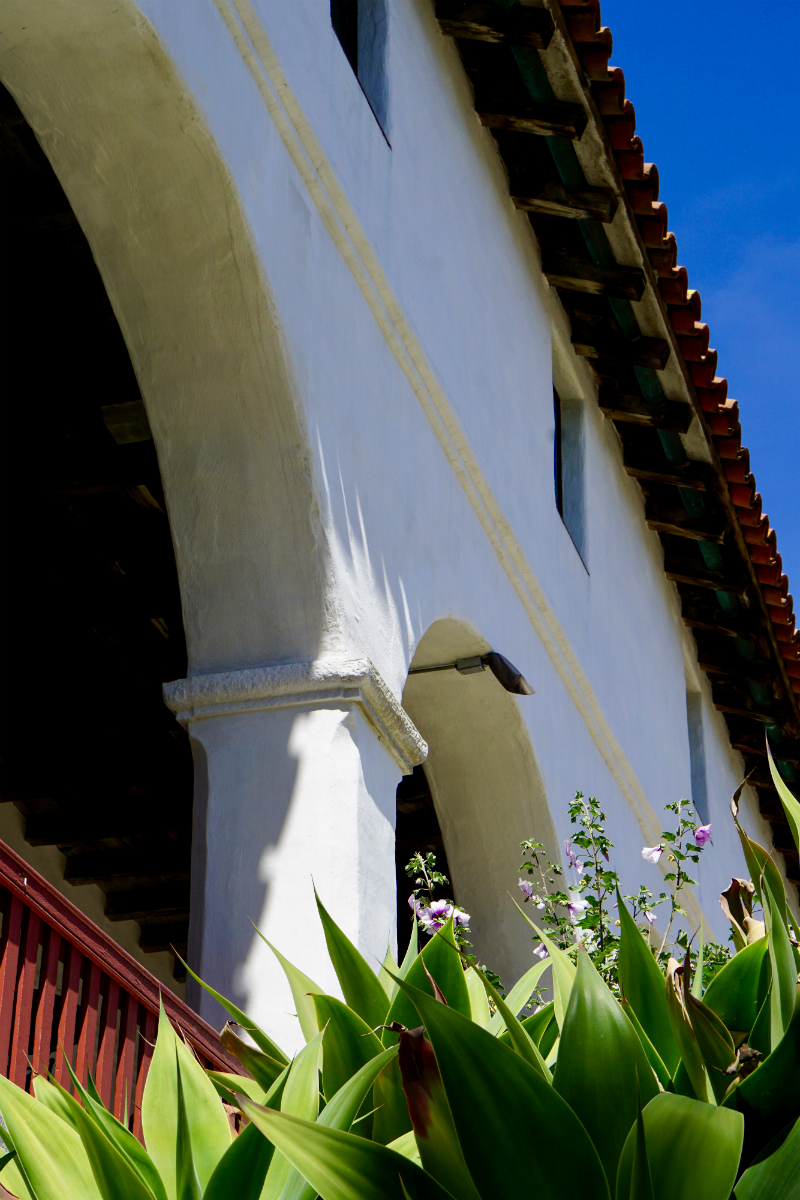 Travel Guide - How To Spend 24 Hours in Santa Barbara for Under $350