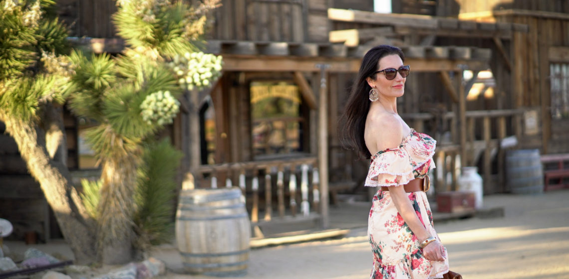 36fffffad9d48 When it comes to Spring and Summer styles this season, one look I'm  crushing on is the ruffle dress trend. From flouncy sleeves to billowy  skirts, ...