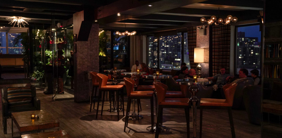 New York City Travel Guide - 3 NYC Bars That Are Perfect for a Romantic Date Night