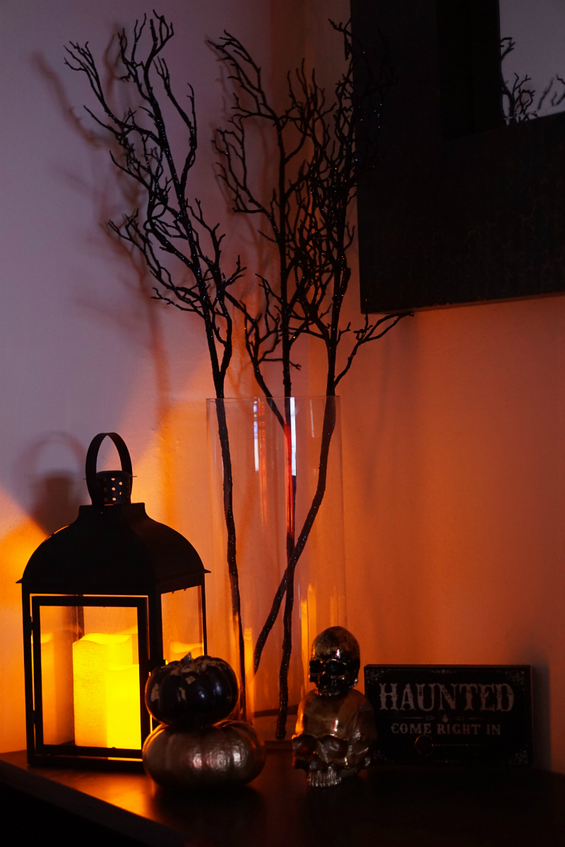 Fabulous Finds - Chic Halloween Home Decorations from Amazon