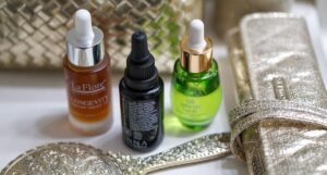 Discover 3 Natural Face Oils That Reduce Signs of Acne and Wrinkles
