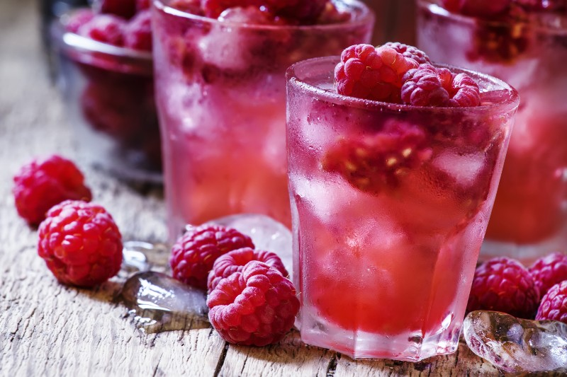 3 easy gourmet recipes that will enhance your spring picnics - Raspberry Spritz
