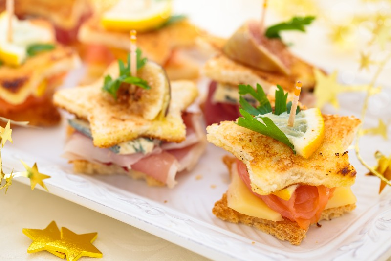 3 Easy Gourmet Recipes That Will Enhance Your Spring Picnics - Star Shaped Club Canapes